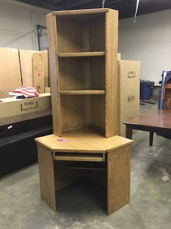 USA Corner Desk Small